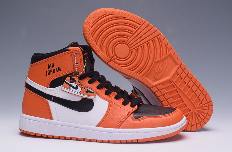 basket air jordan blanche